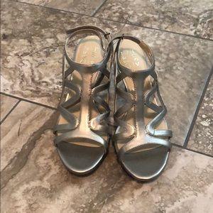 Naturalizer strappy heels in Platnium